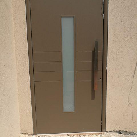 דלת דגם TLS 75, נחלים